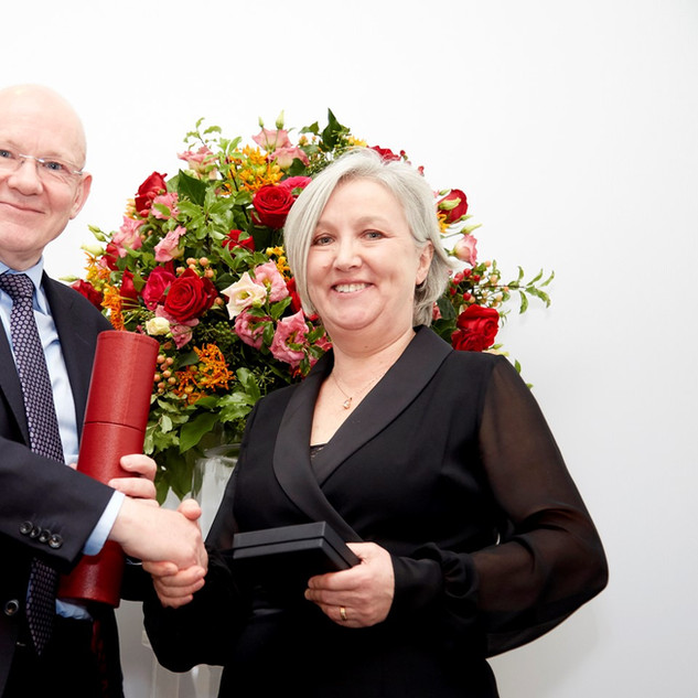 Gillian accepting the Buchanan Medal from the Royal Society, for establishing the fundamental cell biological mechanisms that drive cytotoxic T-cell killing, laying the foundations for informed application of cancer immunotherapy, 2019