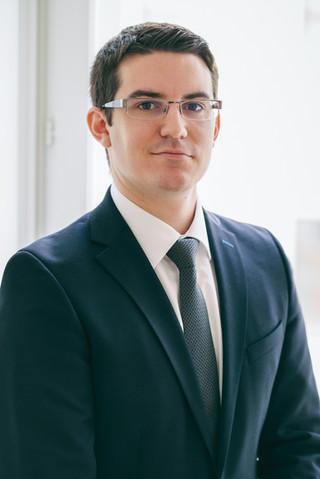 Business Portrait 2 - Nenad Ivic