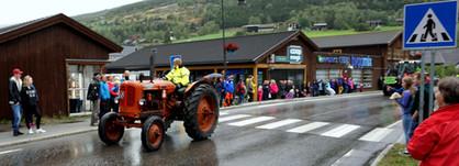 Trygve Slagsvold Vedum i traktorparada