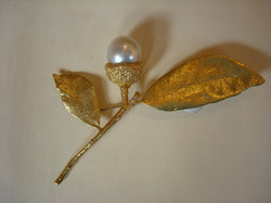 Acorn Brooch with Tahitian Pearl