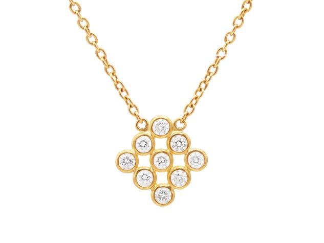 Delicate Brilliant White Diamond Necklace with 9 Diamonds