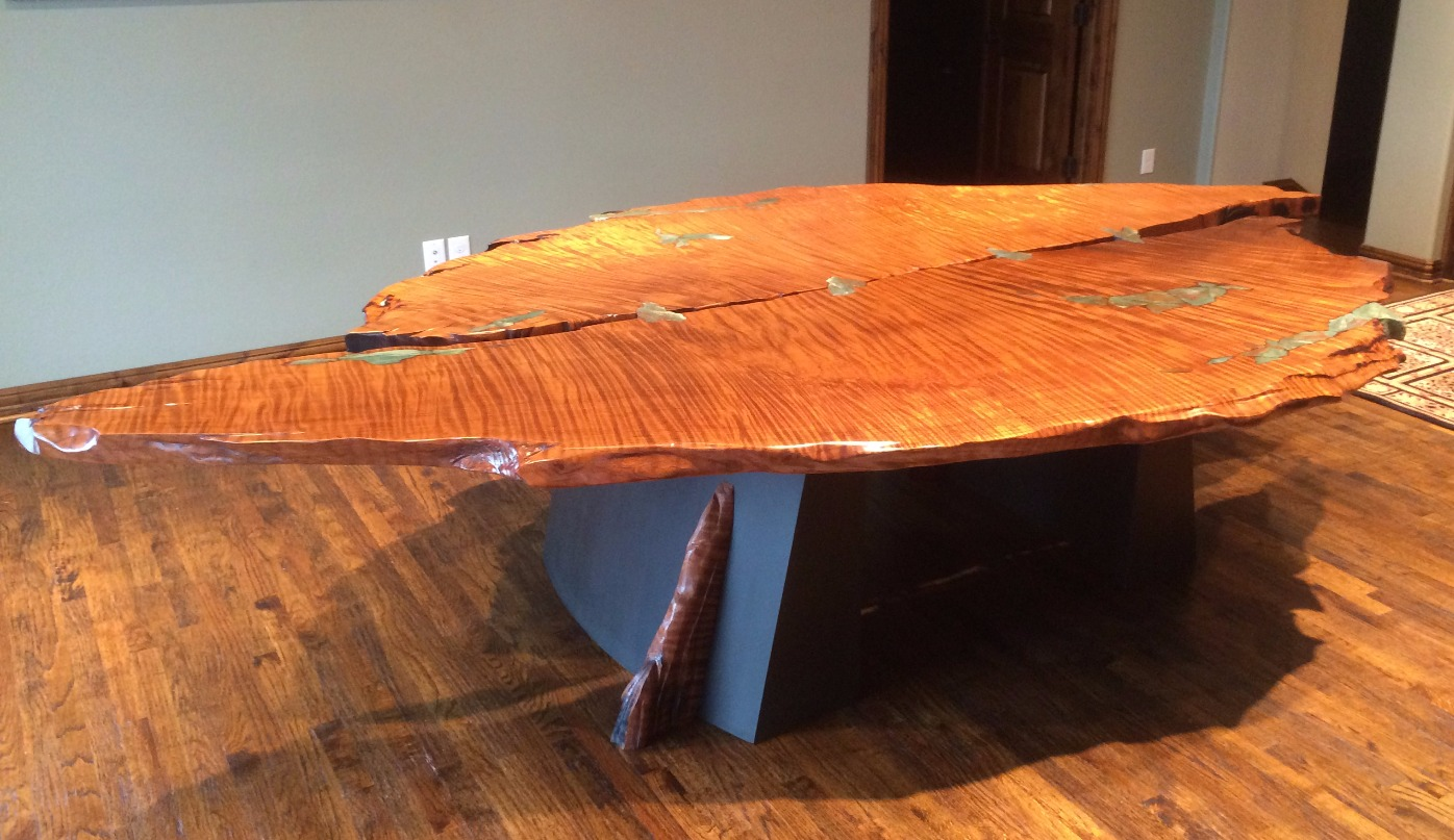 Redwood Dragonstone Table