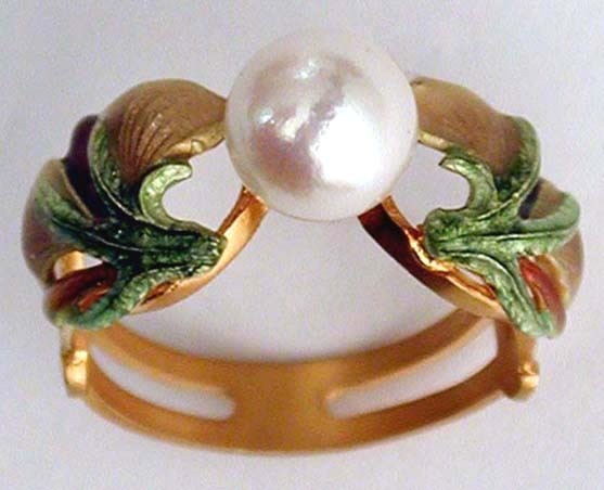 Iris Ring with Pearl