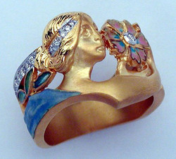 Muse Ring with Flower and Diamond