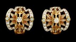 Ivory/Peach Earring with Diamonds