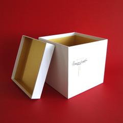 коробка со съемной крышкой из переплетного картона
