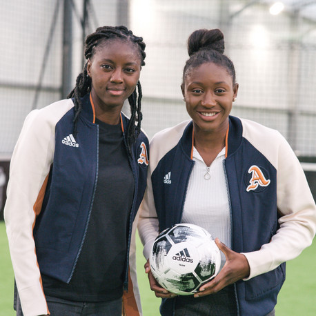 Adidas She Breaks Barriers pour Le Parisien