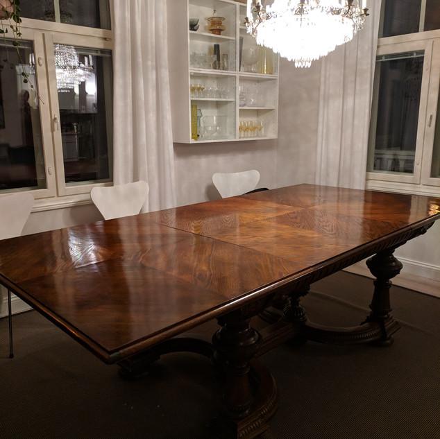 pöydän kunnostus.jpg
