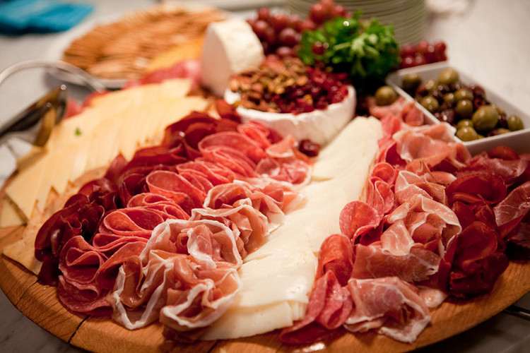 Artisan-charcuterie-Plate-Beef-with-imported