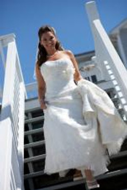 Bride-heading-to-Beach