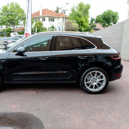 2016-porsche-macan-s-diesel-black-26.jpg