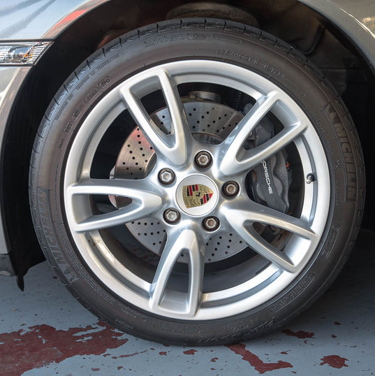 2010-porsche-911-carrera-997-2-grey-25.j