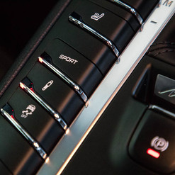MY17-macan-s-diesel-white-7.jpg