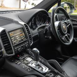 2015-cayenne-diesel-grey-21.jpg