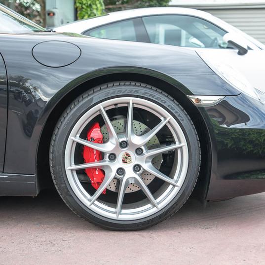 991-carrera-s-black-2012-5.jpg