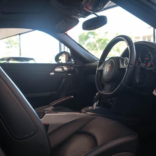 2010-porsche-911-carrera-997-2-grey-2.jp