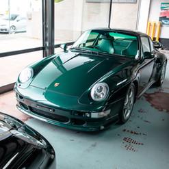 1998-porsche-911-993-turbo-s-green-3.jpg