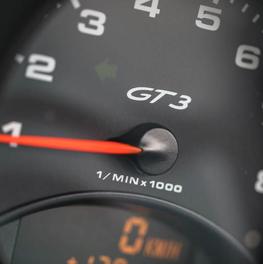 2000-996-gt3-silver-1.jpg