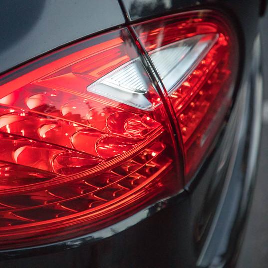 2013-porsche-cayenne-diesel-black-5.jpg