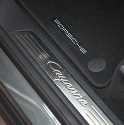 2015-cayenne-diesel-grey-17.jpg