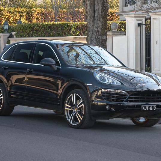 2013-porsche-cayenne-diesel-black-12.jpg