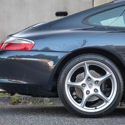 2004-porsche-911-carrera-manual-996-32.j