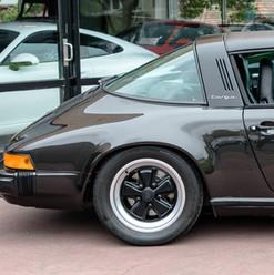 1986-porsche-911-targa-black-21.jpg
