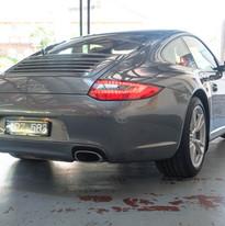 2010-porsche-911-carrera-997-2-grey-8.jp