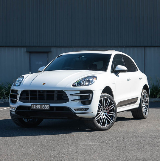 2016-macan-turbo-white-1.jpg