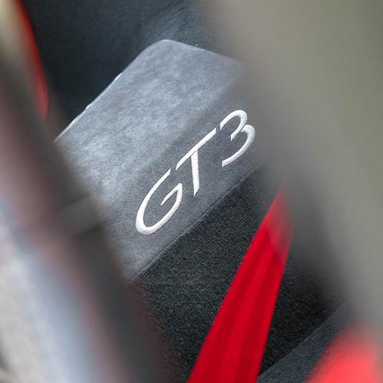 991-gt3-clubsport-white-18.jpg