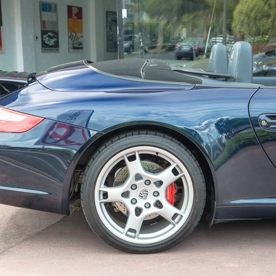997-carrera-s-cabrio-blue-15.jpg