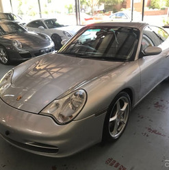 2001-porsche-911-carrera-996-iphone-10.j