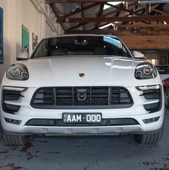 MY17-macan-s-diesel-white-39.jpg