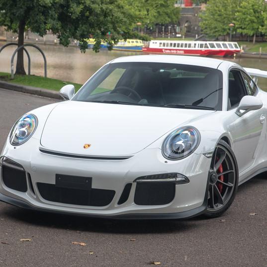 2014-porsche-911-gt3-991-white-1.jpg