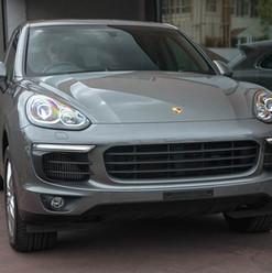 2015-cayenne-diesel-grey-35.jpg