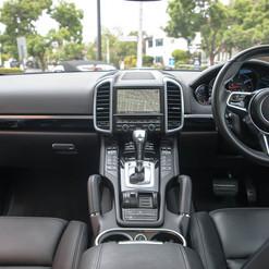 2015-cayenne-diesel-grey-12.jpg