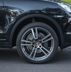2013-porsche-cayenne-diesel-black-3.jpg