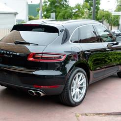 2016-porsche-macan-s-diesel-black-30.jpg