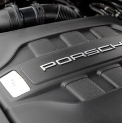 2016-porsche-macan-s-diesel-black-23.jpg