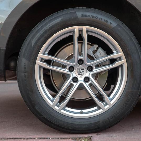2015-macan-s-petrol-grey-17.jpg
