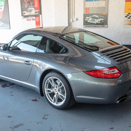 2010-porsche-911-carrera-997-2-grey-20.j