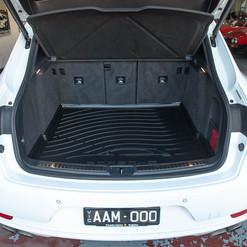MY17-macan-s-diesel-white-14.jpg