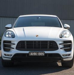 2016-macan-turbo-white-5.jpg