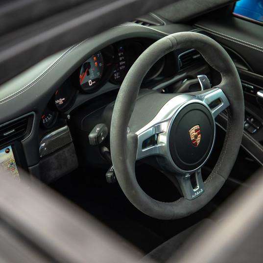 2015-porsche-911-carrera-gts-blue-15.jpg