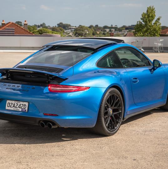 2015-porsche-911-carrera-gts-blue-19.jpg