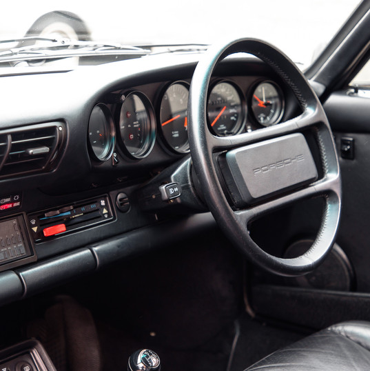 1986-porsche-911-targa-black-1.jpg