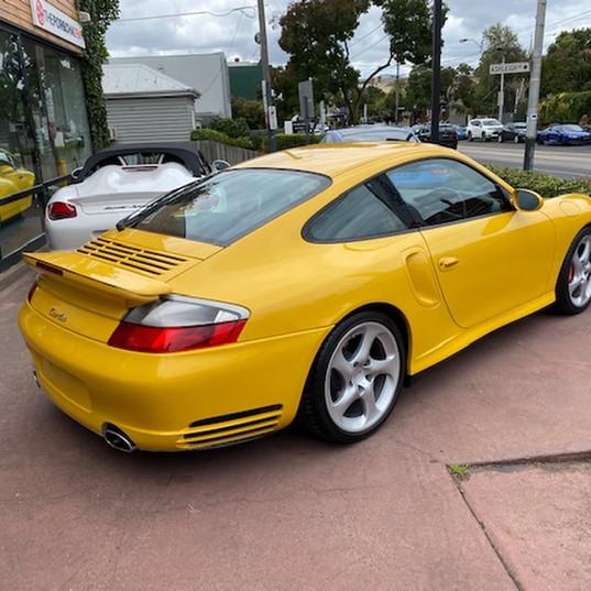 2001-porsche-911-turbo-996-yellow-17.jpg