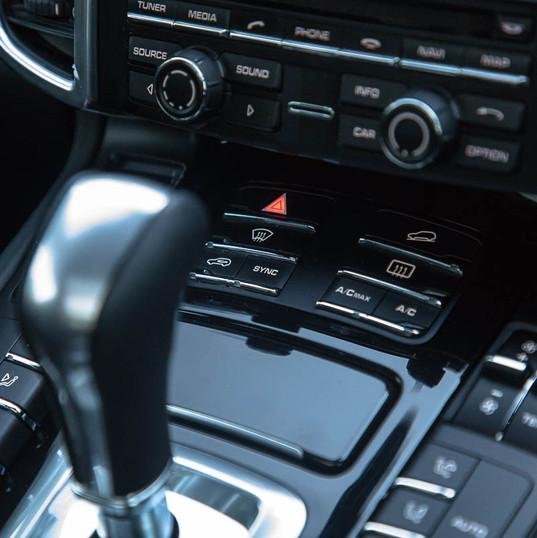 2013-porsche-cayenne-diesel-black-10.jpg