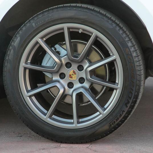 MY17-macan-s-diesel-white-25.jpg