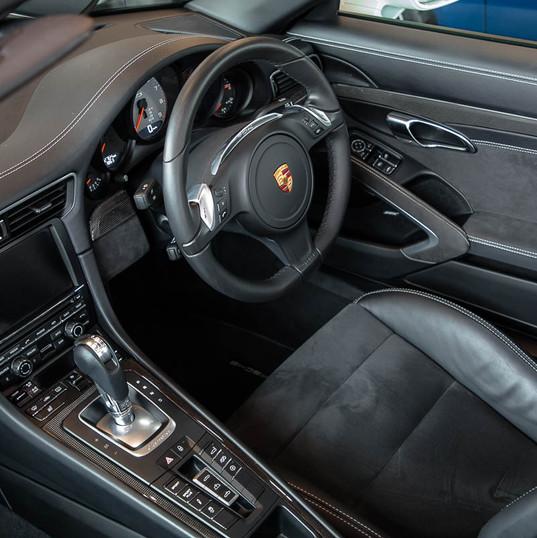 2015-911-carrera-gts-991-cab-8.jpg